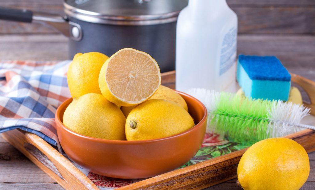 Pulizia Casa con Limone e Aceto